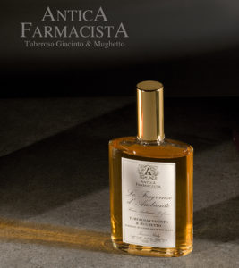 add for Anyica Farmacista © klickphotography
